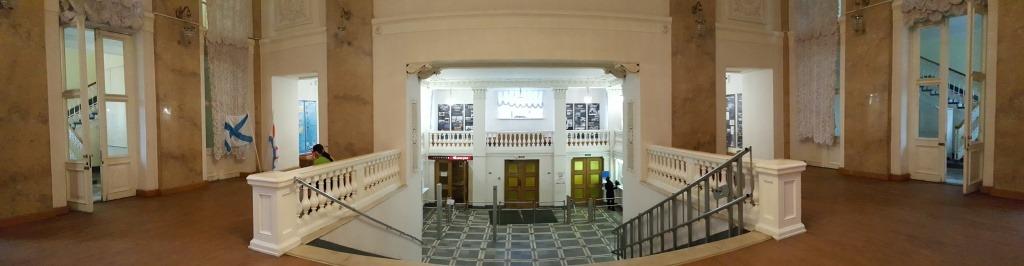 Выставка в концертном зале У ФИНЛЯНДСКОГО ВОКЗАЛА