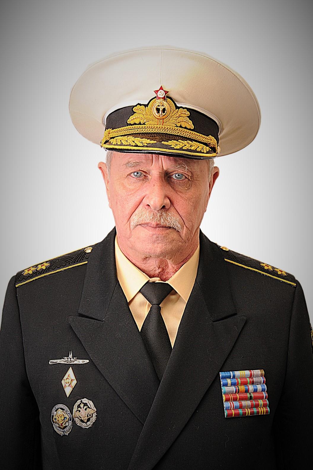 Вице-адмирал Кряжев Владимир Сергеевич