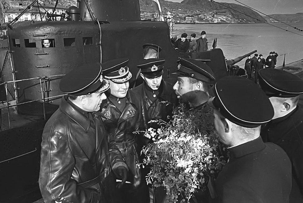 Подводная лодка К-21 атакует «Тирпиц»