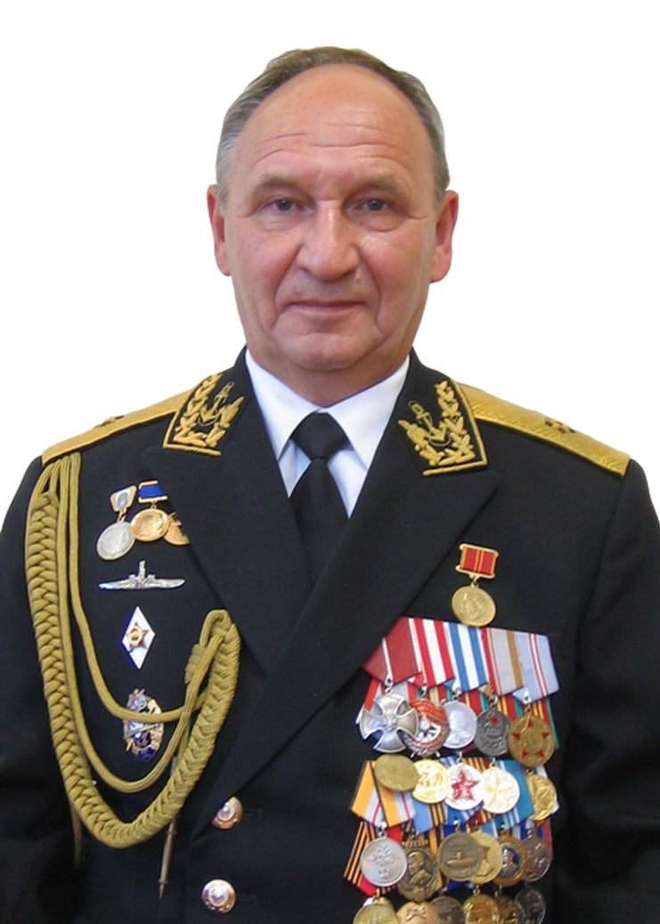 Сегодня ушел в последнее плавание командир 25 ДиПл, начальник 270 Учебного Центра ВМФ контр-адмирал Бедердинов Владимир Арифуллович